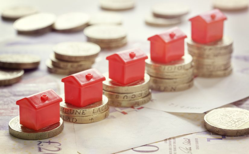 Buying a property in a different currency – when to make the jump!