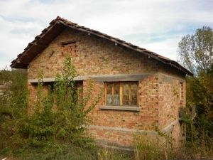 Big rural house situated in a village 20 km awat from the town of Vratsa,Bulgaria