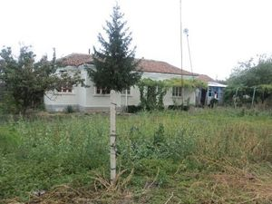 An old rural house with garage and plot of land located 10 km away from General Toshevo,Bulgaria