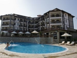 Houses and Apartments for sale in CHAIRITE Holiday Complex