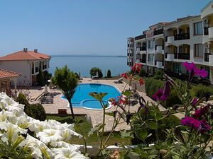 Furnished one bedroom flat situated at the Black sea coast