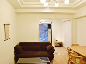 Shinsaibashi★Fully Furnished +High Speed Internet Access