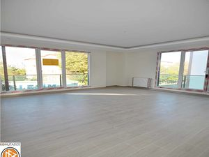 Newly built 3+1 apartment for sale in Beylikduzu Istanbul