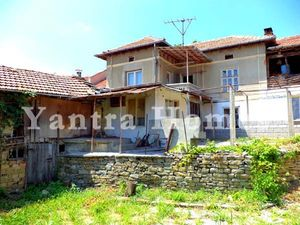 Spacious 170-sqm 5-bedroom home in Gostilitsa, near Gabrovo