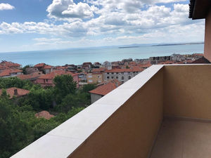 Sea view 3 bedroom apartment in Sveti Vlas