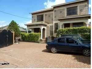 KIREKA EXECUTIVE THREE BEDROOM DOUBLE STORIED HOUSE AT 700K