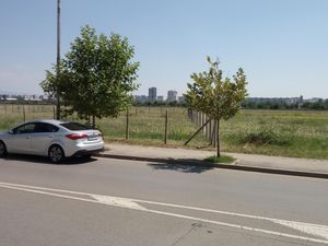Land of 1365sqm Sofia , 25 m from Subway station