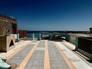 4 beds/3 baths duplex with fantastic sea view
