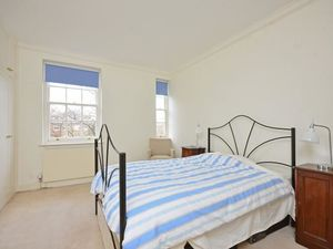 Unique flat to let in Stoke