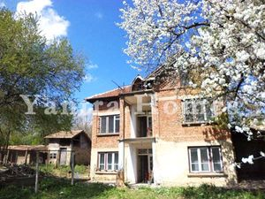 Nice 2-storey house in a large and well-developed village