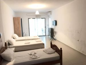 Off to the sea to Albania! Studio Apartment in Saranda