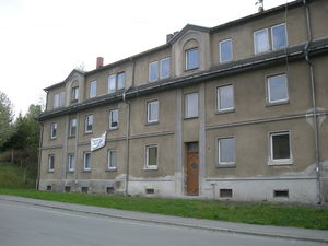 Corner House with 6 appartements for sale in Mylau