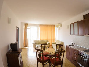 Apartment with 2 bedrooms, 1 ½ bathrooms Central Plaza