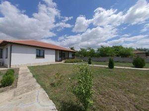 New built 3-BED, 2-BATH house 5 min drive to Balchik