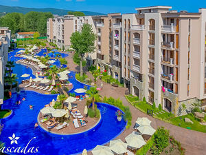 Pool View 2-bedroom apartment in Cascadas Family Resort