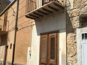 sh 652 town house, Caccamo, Sicily
