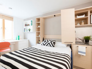 Large Self-Contained Studios in Farringdon, London