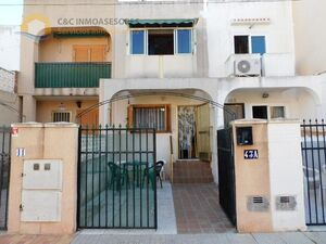 Terraced house 500 meters from the beach