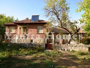 Partly renovated house for finishing in Samovodene village