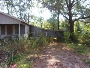 3bdr/1 bath fireplace house in Jackson, MS