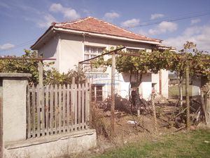 House for sale with garden 2100 sq.m 30 min driving to Plovd