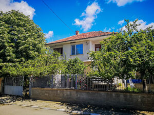 House with 4 bedrooms, only 6 km from Sunny Beach