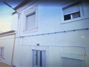 """House of 200 square meters + land of 300 square meters. Hou"