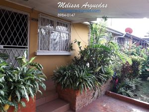 Large house with beautiful gardens in Pavas