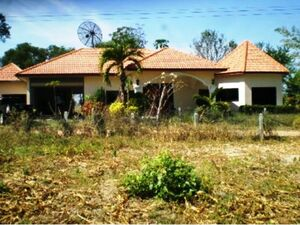 Extremely spacious 3 bed Bungalow in Buriram, Khaen Dong. Th