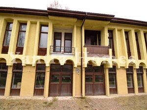 Fully renovated traditional style commercial building