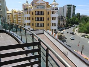 Studio for sale in Sunny Beach Plaza, 50 meters to the beach