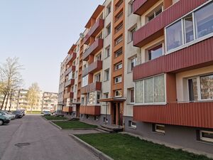 For sale equiped 2 rooms flat in renovated building