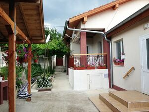 Lovely house with 3 Bedrooms and 2 Bathrooms near Karnobat