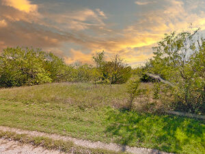 A Texas Country Escape, a gorgeous Lot - Corsicana TX 75109