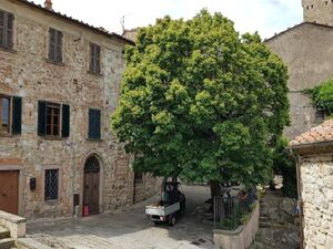 3Bed Terrace and Wine Cellar in Roccatederighi, Tuscany, ITA