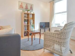 Apartment to rent in Clapton