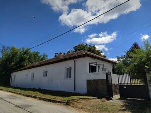 3-bed house 30 minutes drive to Varna and the beach