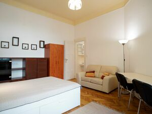 Youthful, bright, fully renovated apartment in Budapest