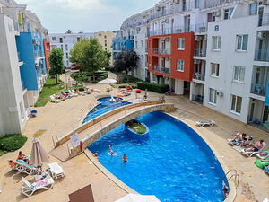 Apartment with 2 beds, 2 baths in Sunny Day 3