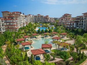1-bedroom apartment with Pool view in complex Poseidon