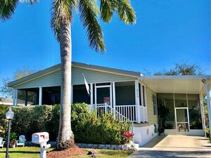 Impeccable three bedroom and two bathroom home in Florida