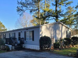 Fully remodeled 4 bed 2 bath house for sale in Kennesaw