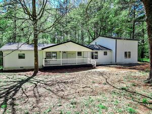 Amazing 4 bed 3 bath family home for sale in Georgia