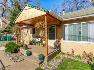 Charming 4 bed 2 bath Bungalow home for sale in Anderson