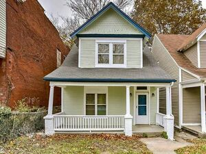 Beautiful 2 bed 2 bath house for sale in Kansas City