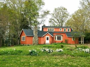 Beautiful 4 bed 2 baths house for rent in Laconia