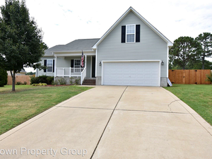 Crisp 3 Bedroom and 2 Bath house for rent in Raeford