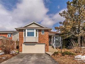 Beautiful 4 beds 2.5 baths house for rent in Ottawa