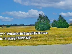 Country Club Living at it's Finest - Gordonville TX 76245