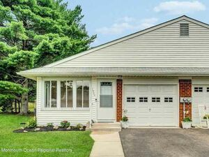 Newly renovated 2 Beds 1 Bath home for sale in Manchester